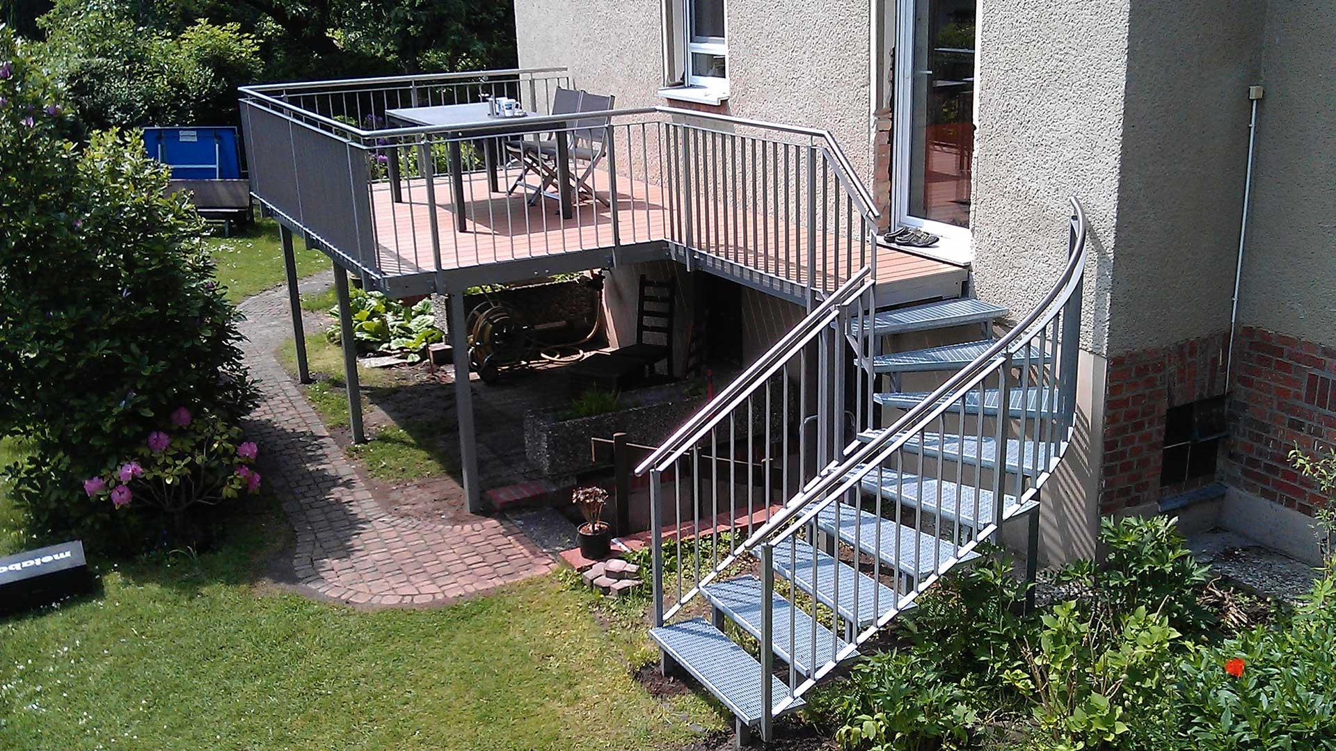 Terrassengeländer-inkl.-Treppe